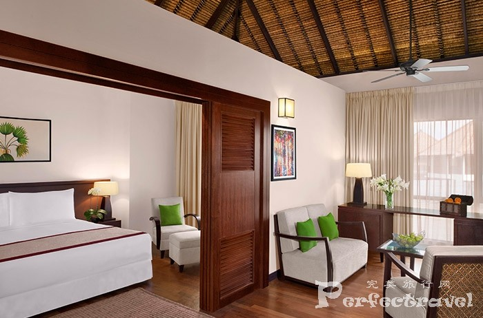4.Family-Villa_Bedroom_LivingRoom.jpg