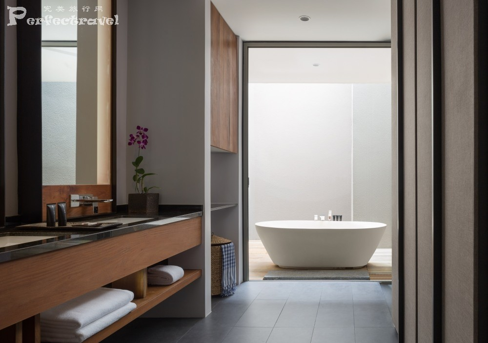 Alila Villas Koh Russey - Accommodation - Garden Pavilion Bathroom 01.JPG