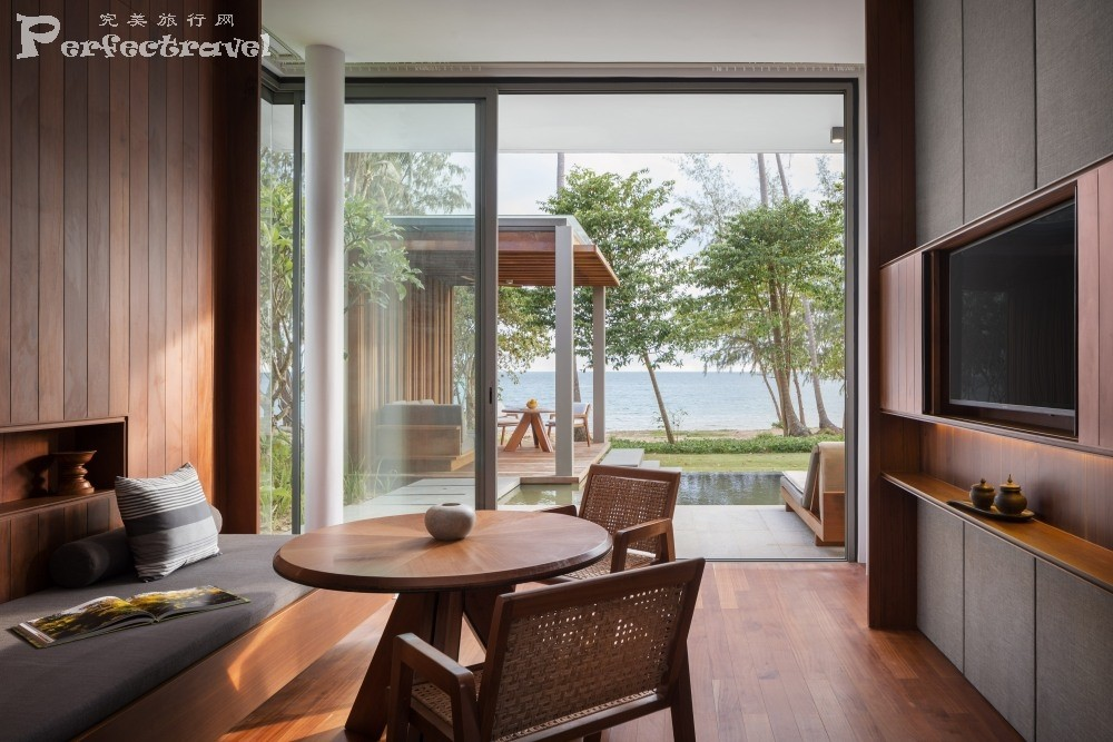 Alila Villas Koh Russey - Accommodation - One Bedroom Beach Villa Living Room.JPG